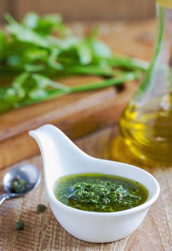 Accord Met Vin Salsa Verde